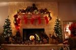 christmas-fireplace-lights-stockings-trees-Favim.com-81617